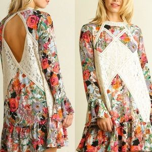 Umgee Floral Printed Lace Bell Sleeves Tunic Top L